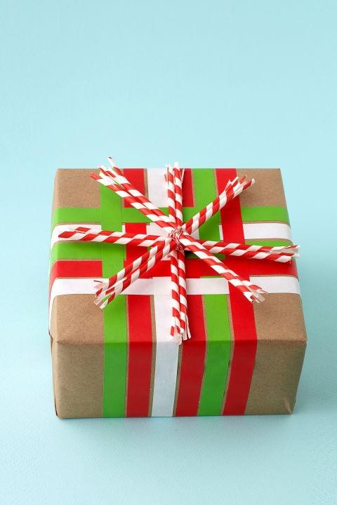 pacchetto regalo nastro adesivo