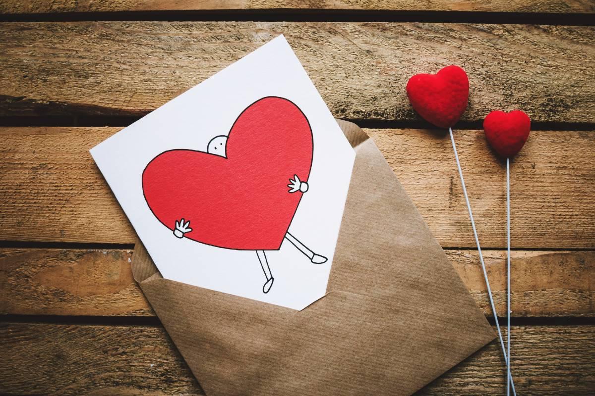 lettera con cuore per san valentino
