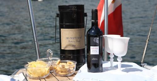 cena in barca a vela lombardia